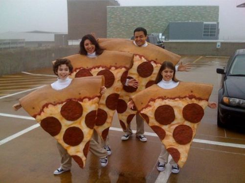 pizza-costume-family